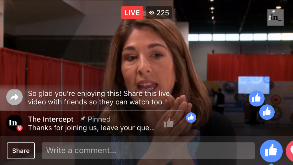 Facebook Live pinned chat comment